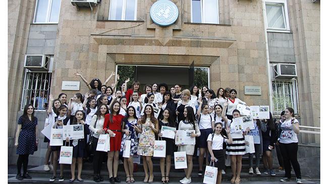 Armenian schoolgirls develop mobile application
